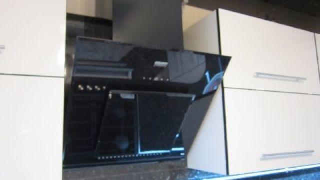 Установка (монтаж) наклонной вытяжки на кухне.