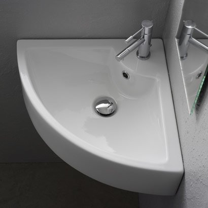 corner sink.jpg